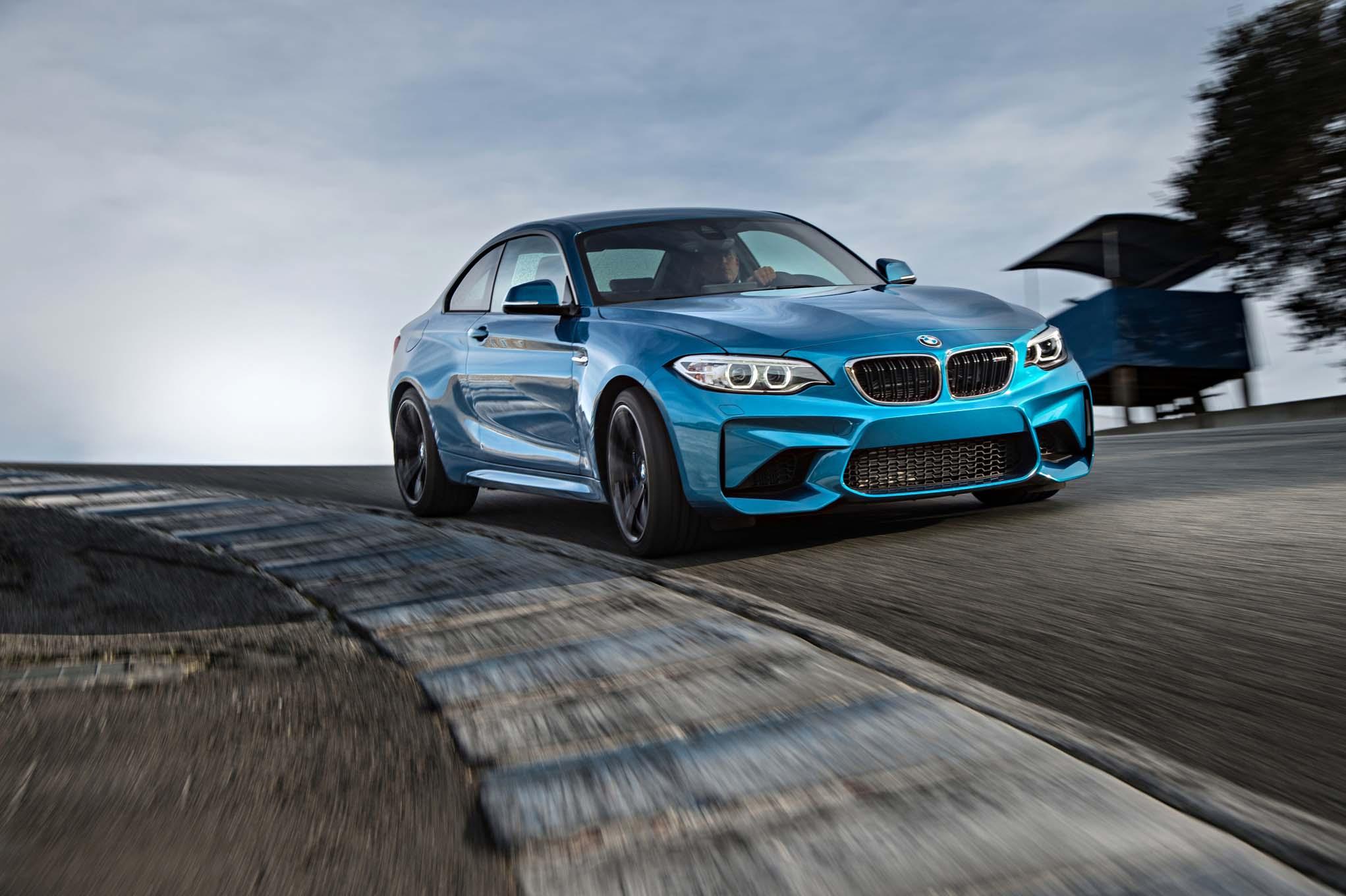 2016-BMW-M2-logo